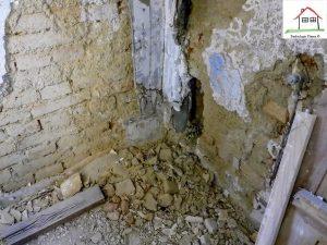 Wasserführung abgedeckt mit verputztem Blech - Baukultur